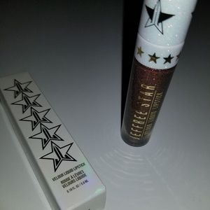 "Jeffree Star ""Triggered"" Velour Liquid Lip"